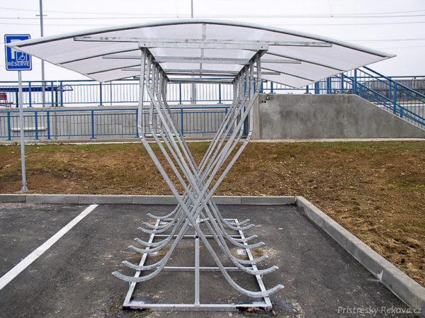 Dvoustranný přístřešek na kola PR 726 | pro 16 kol.